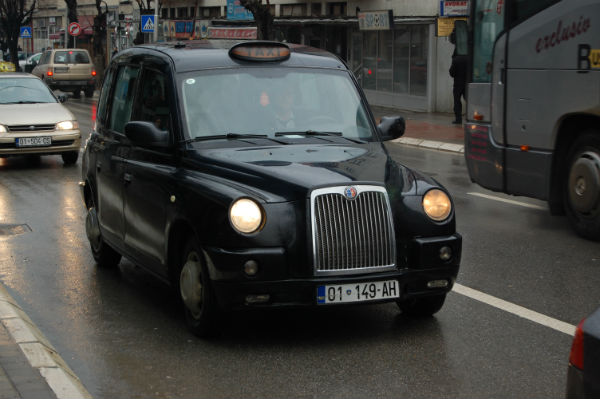 black_taxi_cab_01_149-ah_in_pristina