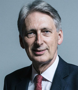 1200px-Official_portrait_of_Mr_Philip_Hammond_crop_2